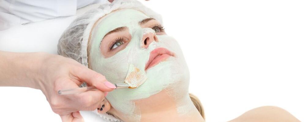 秋季敷面膜后需要洗脸吗 秋季护肤要注意哪些 秋季敷哪些面膜好
