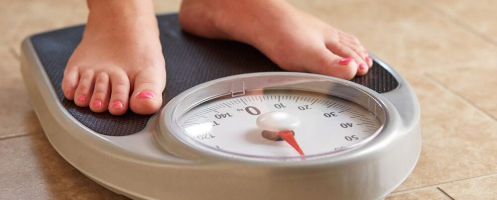 瘦肚子的方法有哪些 吃哪些食物可以瘦肚子 过度减肥有哪些危害