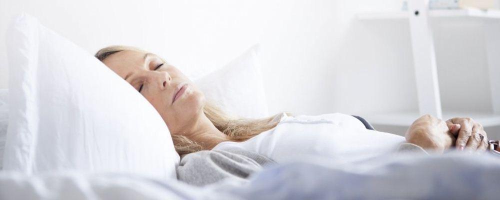 中年女人身体变差有什么表现 中年女性睡眠质量差怎么回事 人到中年如何保养