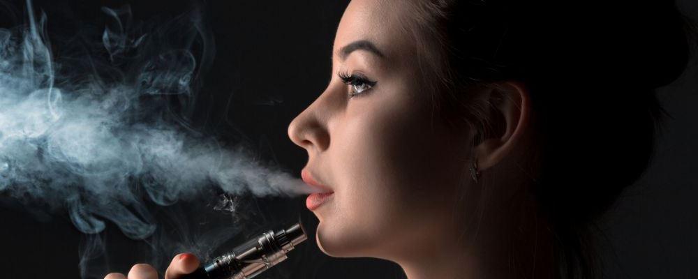 18岁小伙70岁的肺 吸电子烟危害大吗 电子烟危害有哪些