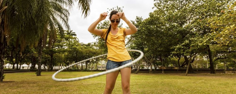 如何使用呼啦圈减肥 呼啦圈转多久能减肥 怎么转呼啦圈减肥