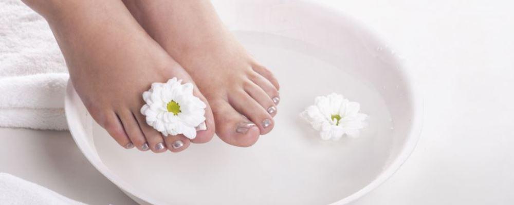 泡脚有什么好处 秋季为什么要泡脚 秋季泡脚的好处有哪些