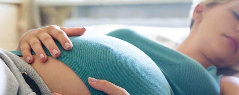 孕期睡前不能做什么 孕期应该注意什么 孕期睡前注意事项