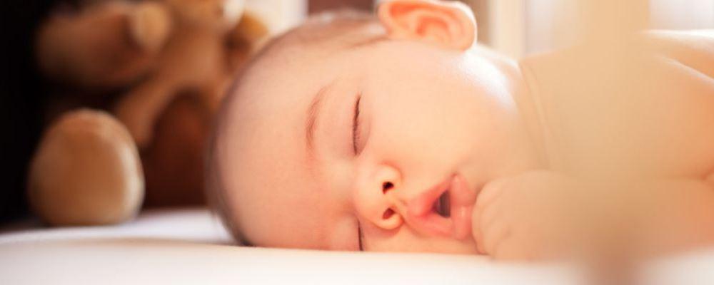 宝宝不好好睡觉是什么原因 如何给宝宝营造好的睡眠环境 怎么让宝宝睡个好觉