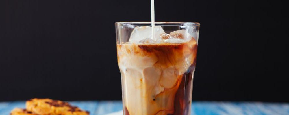 新加坡禁高糖饮料广告 高糖饮料会给人带来哪些危害 高糖饮料的危害