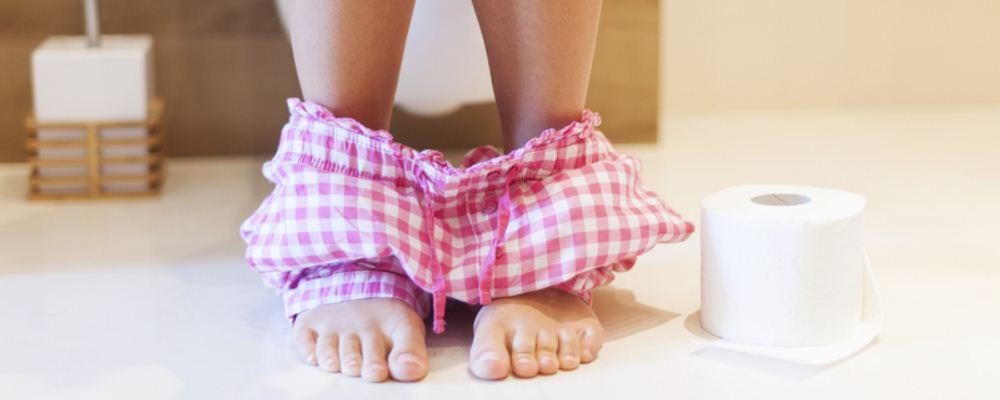 女人尿液发黄的原因是什么 日常排尿有哪些注意事项 尿液发黄怎么回事