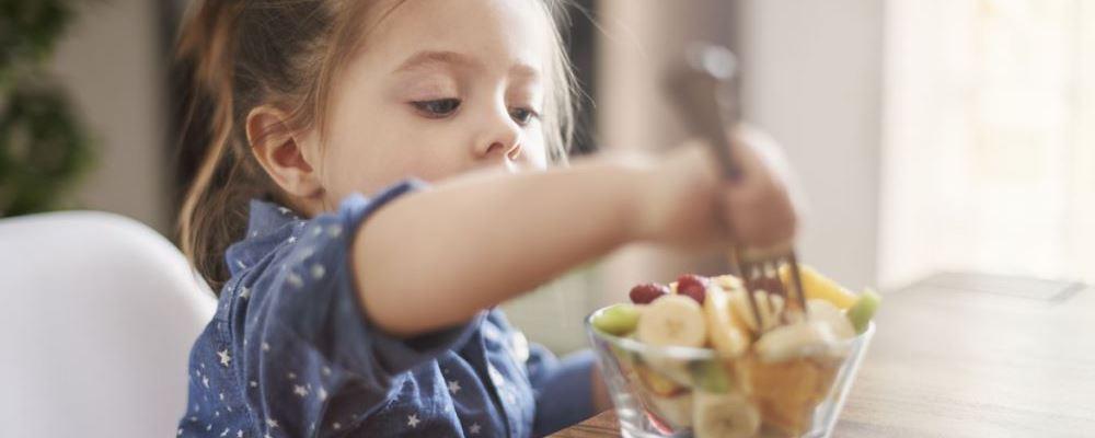 宝宝什么时候可以吃油 宝宝吃哪些油好 辅食期宝宝是否需要吃油