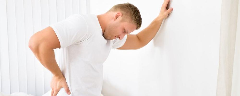 男性腰痛怎么回事 男性腰痛可以吃什么 男性腰痛怎么办