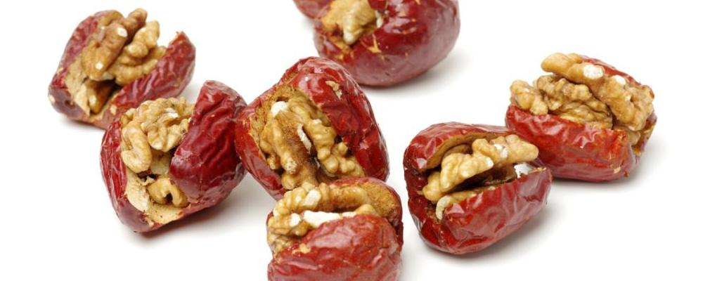 一个女孩能吃更多的红枣来丰富她的血液吗?她会生气吗