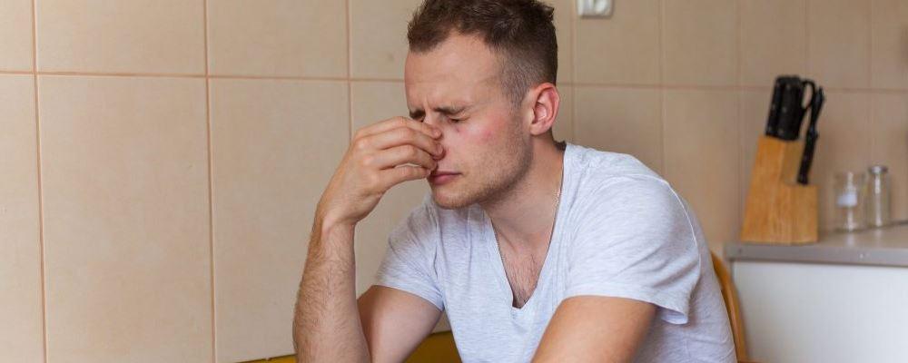 小便泡沫多是肾虚导致的吗 肾虚有哪些症状 小便泡沫怎么办