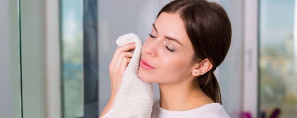 皮肤过度清洁的危害 皮肤过度保养的危害 不同皮肤的保养方法