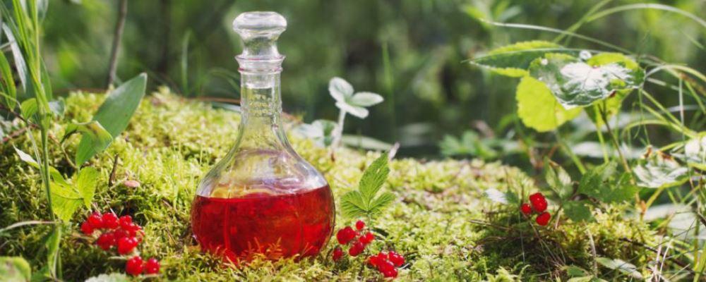 冬季喝药酒有什么好处 冬季喝药酒的好处有哪些 药酒怎么制作