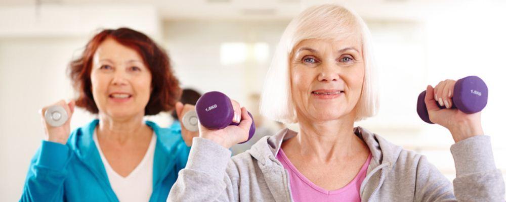 女人怎么做才能越活越年轻 女人如何才能抗衰老 女人吃什么越吃越年轻