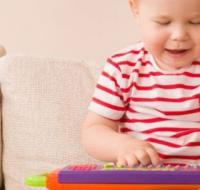 宝宝到底要不要上早教班呢 选早教班要注意什么