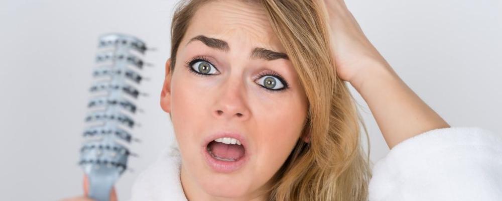 女性脱发的原因 女性脱发怎么办 女性脱发如何预防
