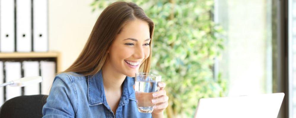 女人爱喝酒好吗 女人爱喝酒有什么危害 女人爱喝酒对器官有什么危害