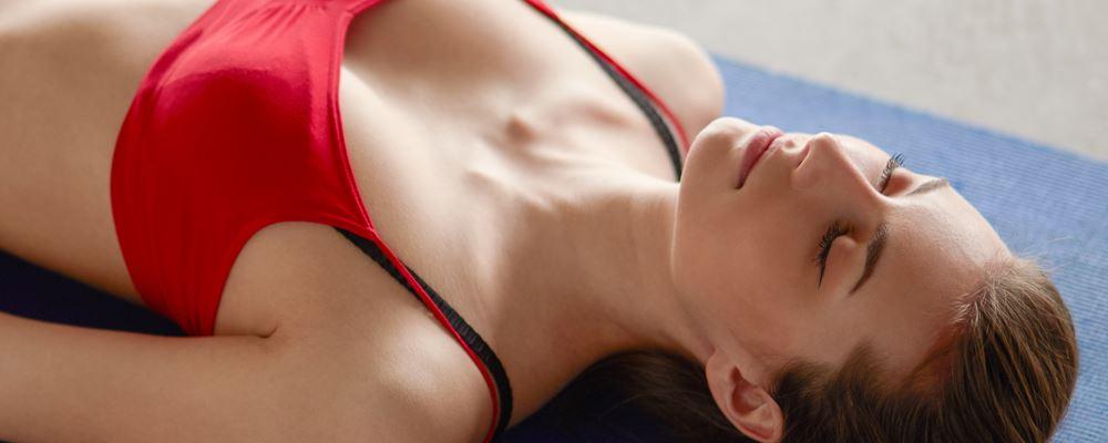 练瑜伽瘦腰的动作 练瑜伽瘦腰腹部的最快方法 最瘦腰腹的瑜伽动作