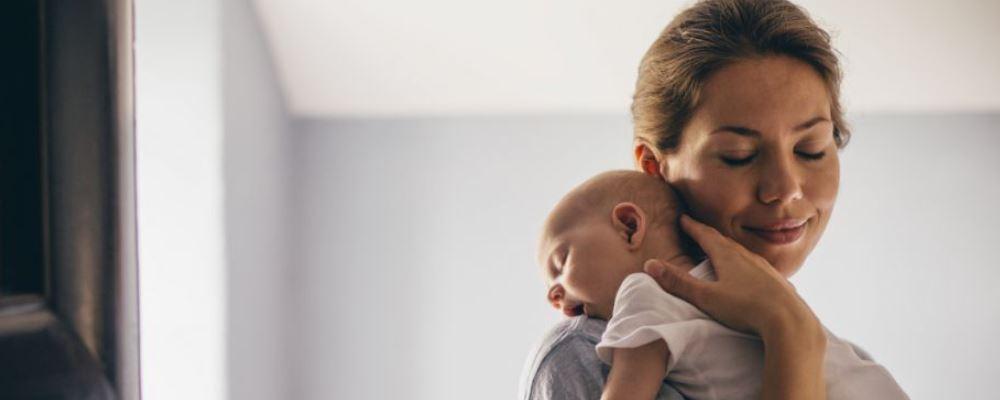 新生儿黄疸的原因 新生儿黄疸怎么办 新生儿黄疸是怎么引起的