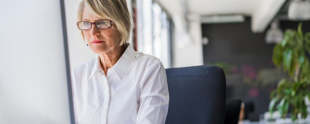 乳房胀痛得厉害怎么解决 日常如何保健乳房 女人乳房胀痛怎么办
