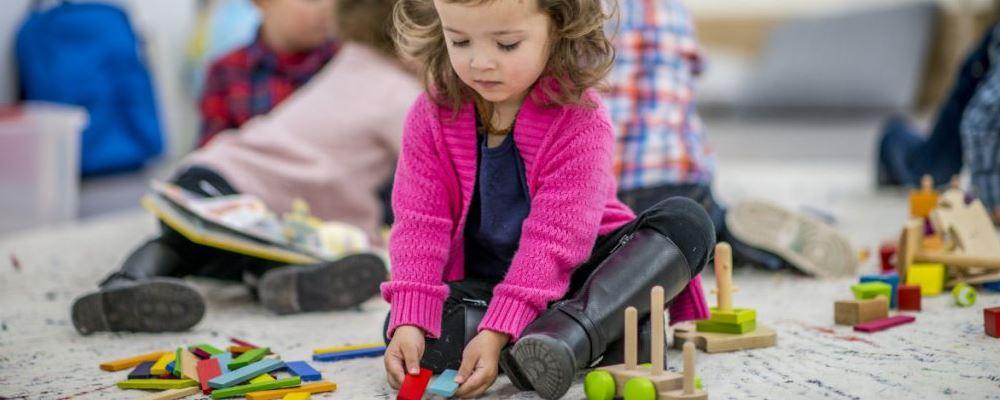 怎样提高宝宝的创造力 让宝宝自己做主提高创造力 提高宝宝创造力的方法