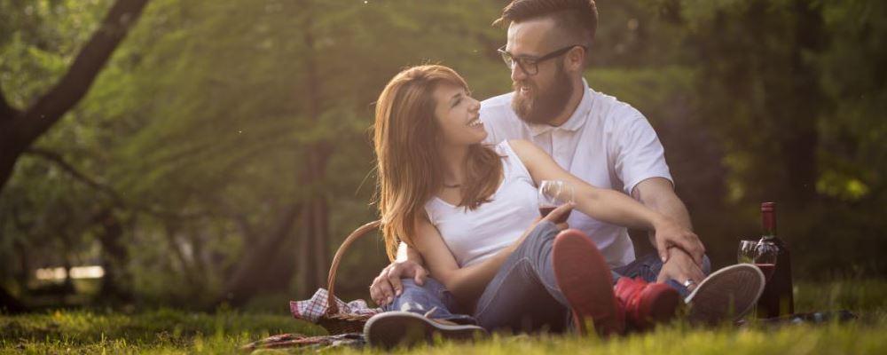 女生对你有好感的信号 女生对你有好感会有的表现 女生对你有好感的征兆