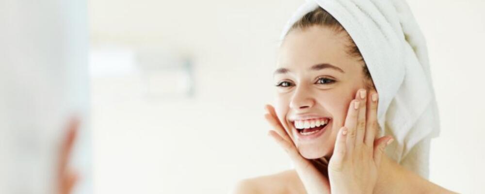 如何给肌肤长效补水 冬季皮肤如何补水 肌肤补水吃什么好