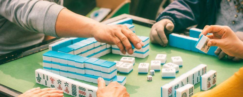 老人偶然打麻将能预防老年痴呆