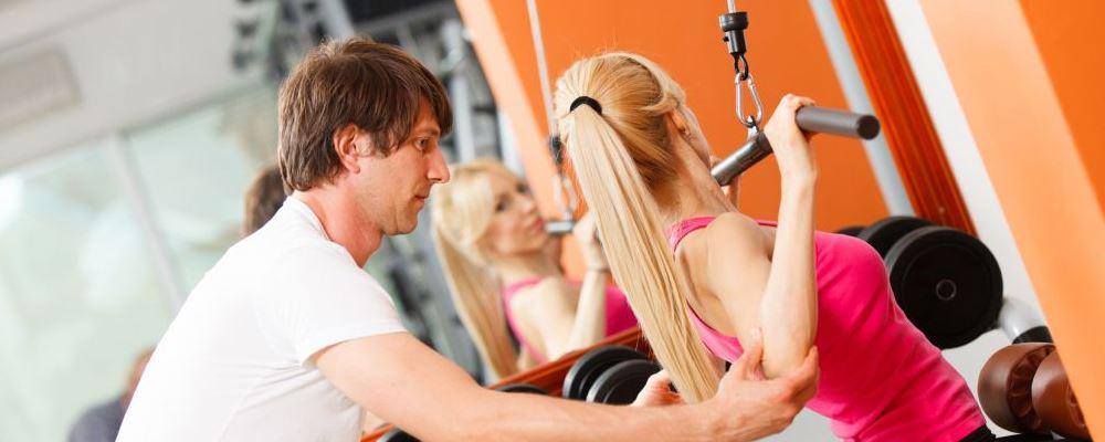 颈椎病适合做的运动 低头族怎么锻炼颈椎 低头族怎么缓解颈椎病