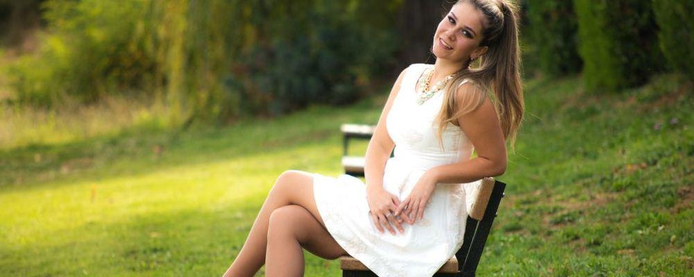 女人跷二郎腿有什么危害 哪些行为会损伤盆腔 哪些行为会引发妇科病