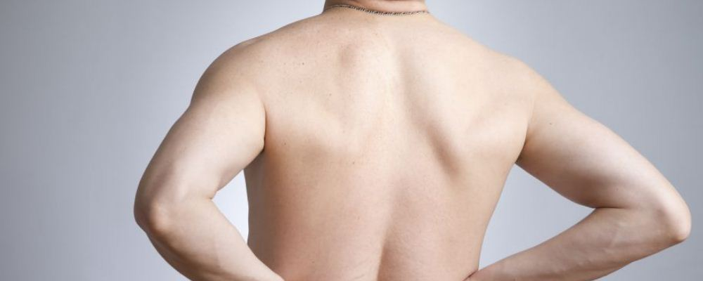 背部赘肉多如何瘦背 背部赘肉多是什么原因 哪些瘦背动作可以减背部赘肉