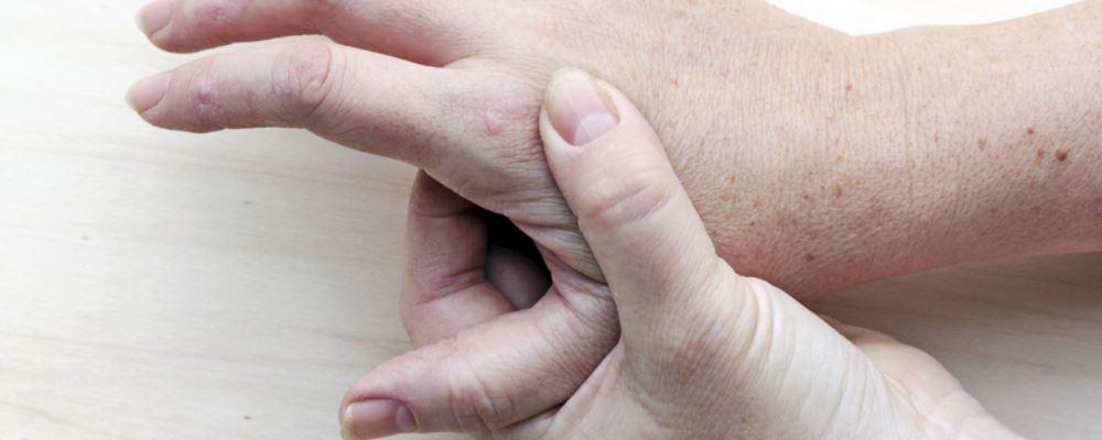 类风湿关节炎患者冬季如何护理 类风湿关节炎冬季护理方法