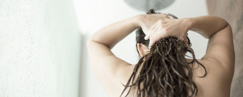冬季多久洗一次头好 冬季洗头要注意什么 冬季养生知识