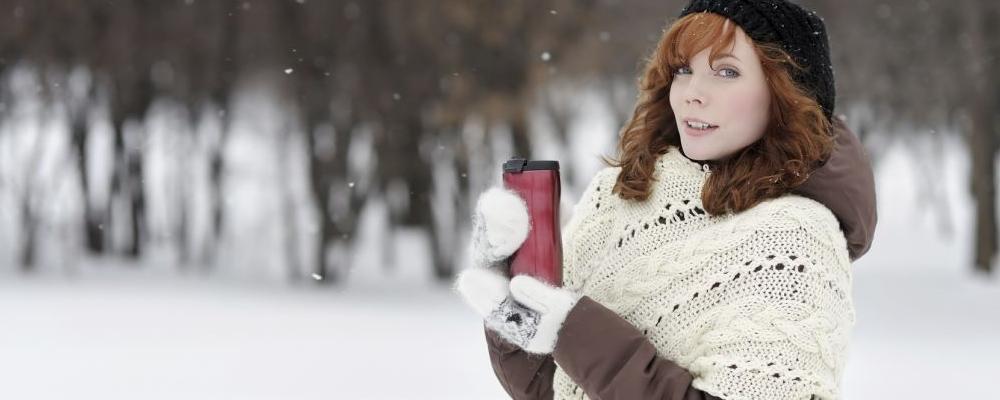 冬天女性手脚冰凉怎么回事 女性手脚冰凉怎么办 女性手脚冰凉注意事项