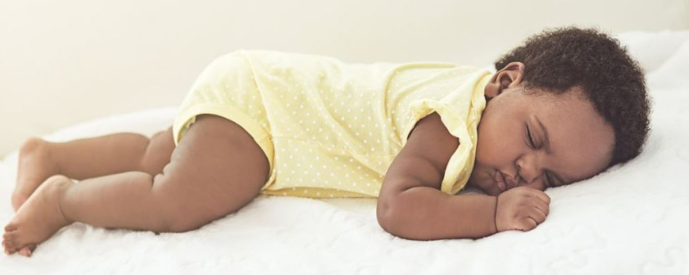 4月龄宝宝突然不爱睡觉的原因 如何照顾4月龄的宝宝 宝宝四岁突然不爱睡觉