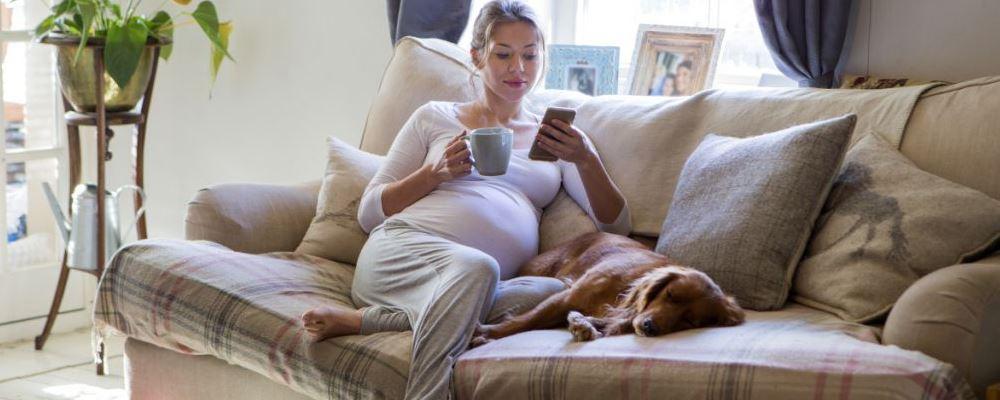 孕妇孕妇出现脚心疼的原因 孕妇脚心疼平时要注意什么 孕妇脚心疼如何缓解
