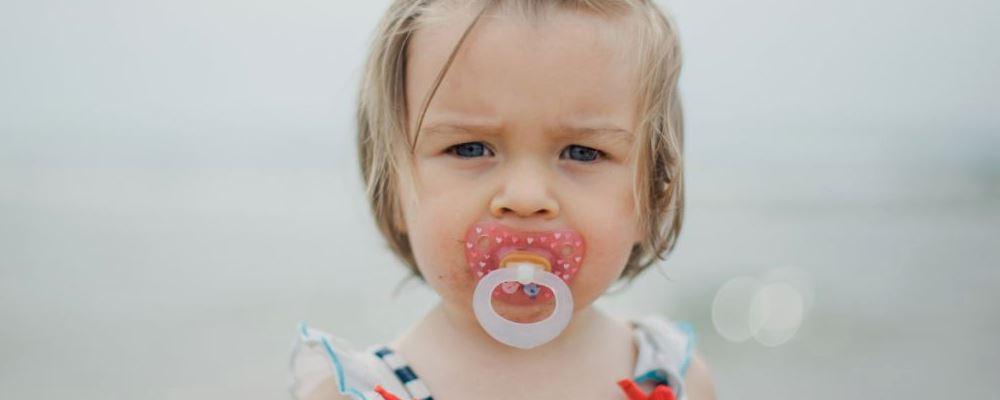 给宝宝使用安抚奶嘴的注意事项 宝宝使用安抚奶嘴要注意什么 安抚奶嘴的使用禁忌
