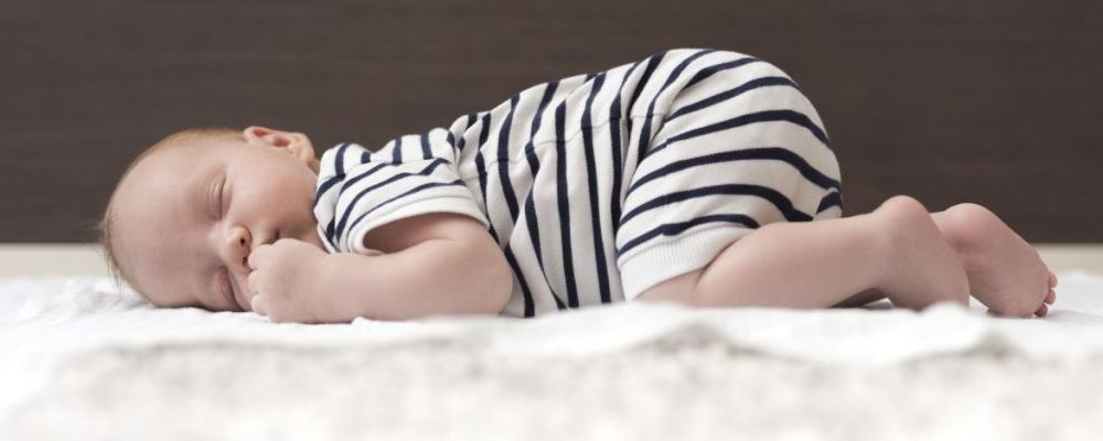 宝宝晚上睡不好怎么办 宝宝晚上睡不好的原因 宝宝晚上睡不好如何解决