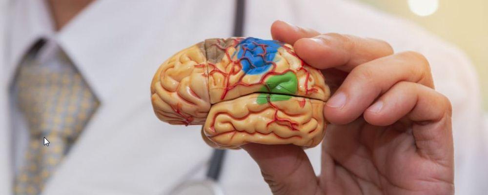 新冠严重症状有哪些 脑出血的后遗症症状有哪些 如何预防脑出血的情况
