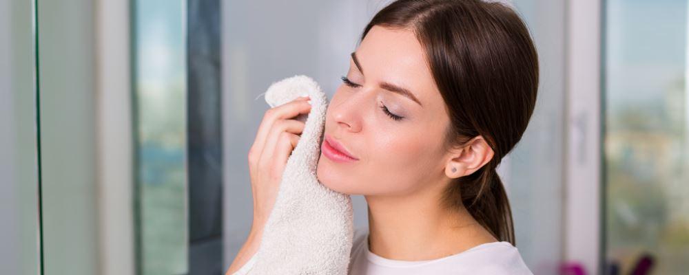 如果你想保持年轻,在护肤的这三个基本步骤中不要做任何错事。