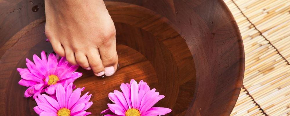 女性做足疗的好处 女性做足疗要注意什么 女性做足疗有哪些好处
