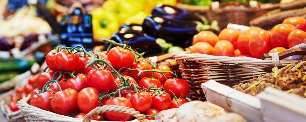 吃西红柿可以减肥吗 那个时间吃西红柿有助于减肥 晚上可以吃西红柿吗