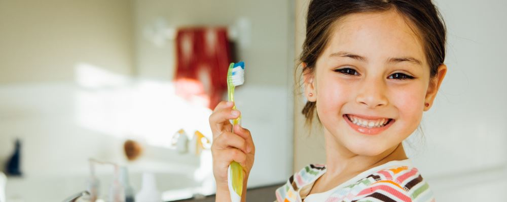 宝宝牙齿长不好怎么办 影响宝宝牙齿的原因 宝宝为什么牙齿长歪了