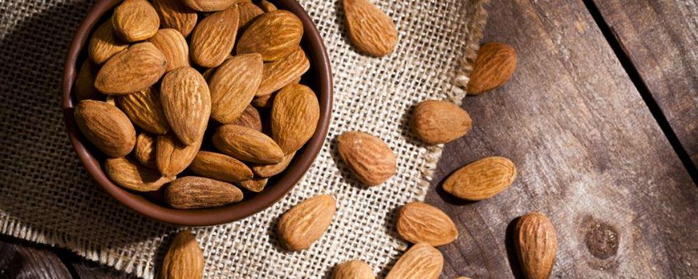 有先兆流产不能吃什么坚果 有先兆流产的孕妇可以吃苦杏仁吗 什么坚果不适合有先兆流产的孕妇吃呢