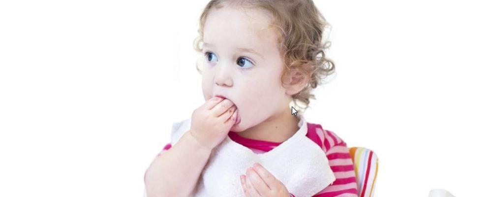 为什么孩子喜欢咬手指 孩子爱咬指甲原因是什么 孩子爱咬手指是因为没有安全感吗