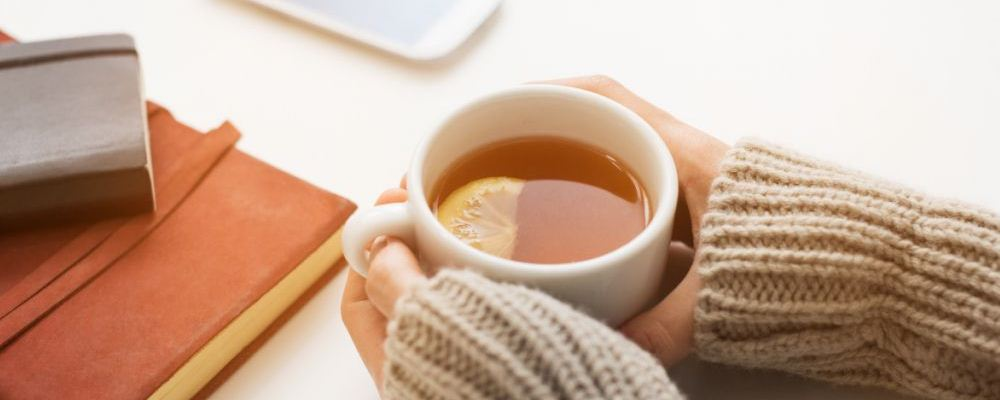 手脚冰凉的原因是什么 改善手脚冰凉的食物有哪些 女人改善手脚冰凉的方法
