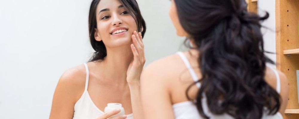 女人如何正确保养皮肤 女人养颜护肤的食疗方推荐 薏米绿豆粥怎么做