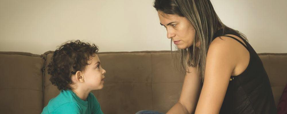 为什么孩子在妈妈面前更加胡闹 孩子在妈妈面前更胡闹的原因 孩子在妈妈面前更胡闹的原因