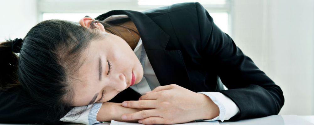 上班族该如何解压 上班族饮食要注意什么 午睡可以解压吗
