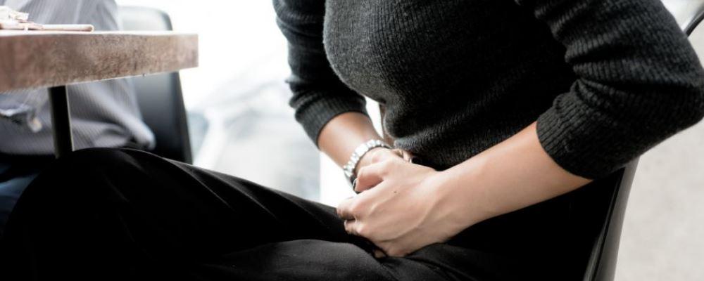 卵巢囊肿有9厘米需要做手术吗 哪些原因会导致卵巢囊肿 导致卵巢囊肿的原因是什么