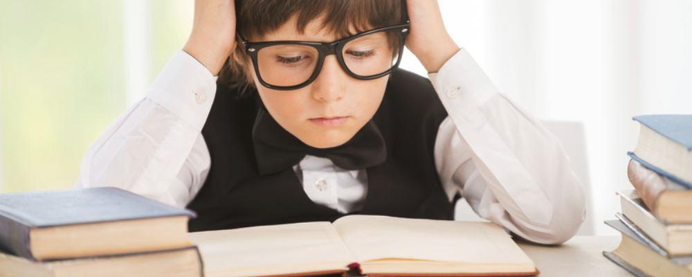 如何提高孩子的学习成绩 怎么提高孩子的学习成绩 正确提高孩子学习成绩的方法
